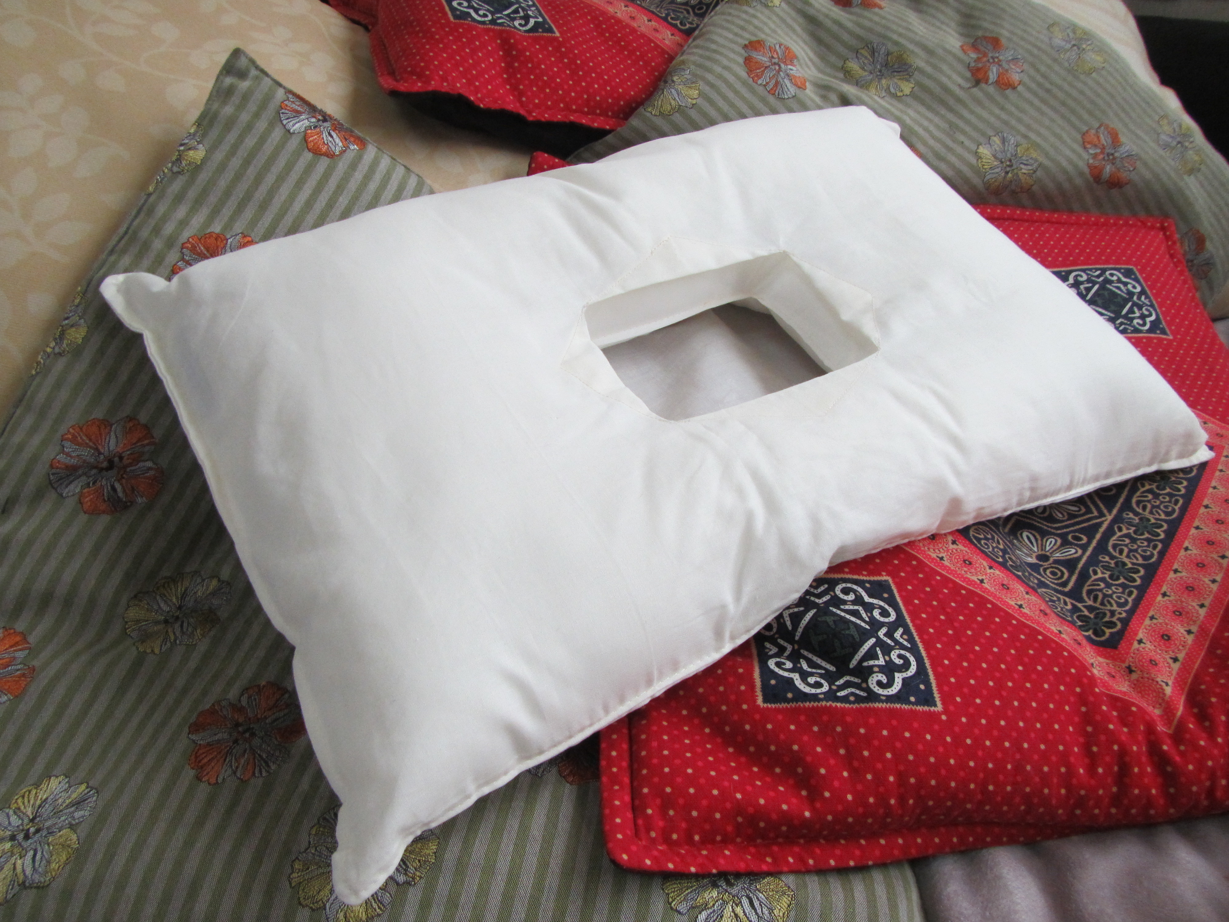 The Pillow With A Hole The Best Cnh Pillow Ideas 4 Health