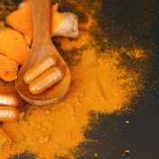 Turmeric capsule with powder